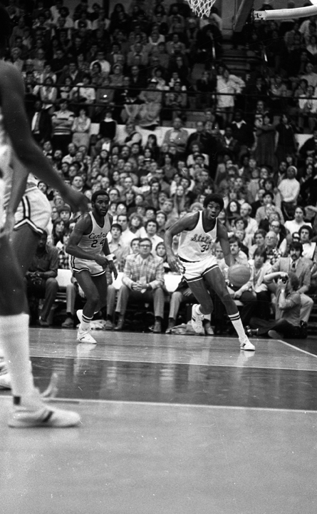 Earvin Magic Johnson Dribbles