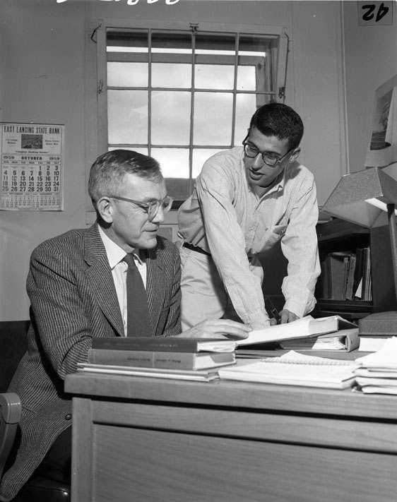 Honors College Instructor with student, 1959
