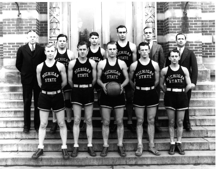 1930 Basketball Team
