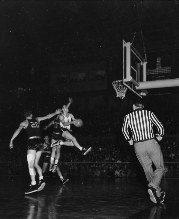 Basketball Game Action picture of MSC vs. Michigan with Jim Snodgrass, circa 1950