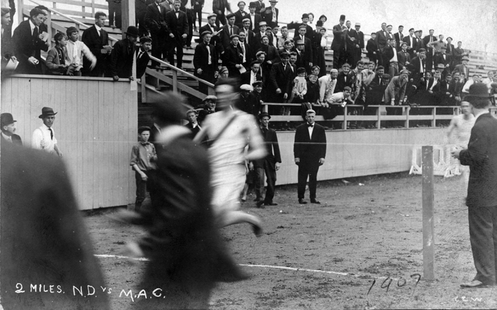 Finish of the 2 mile race, Notre Dame vs. M.A.C., 1907
