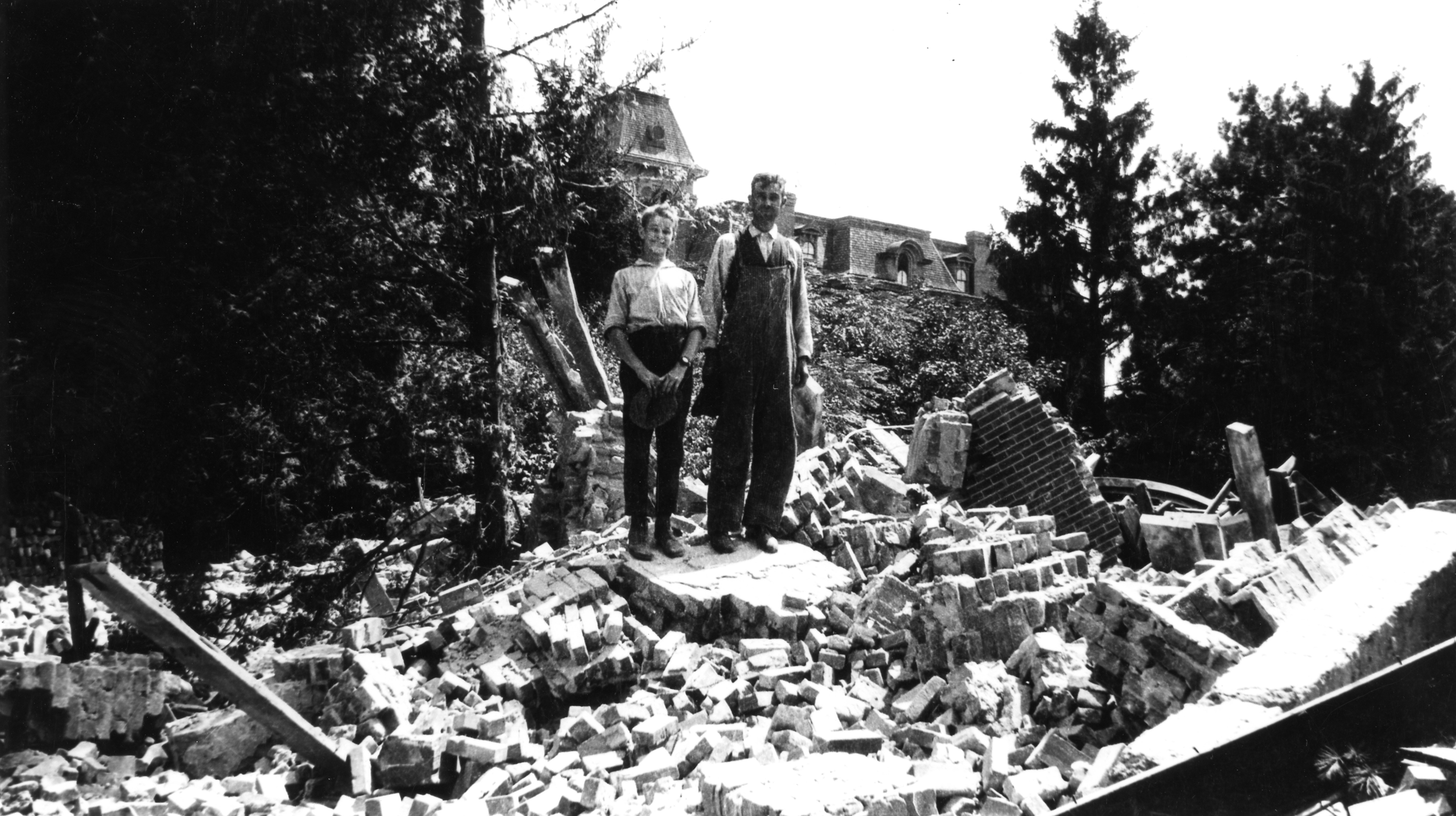 Rubble of College Hall, 1918