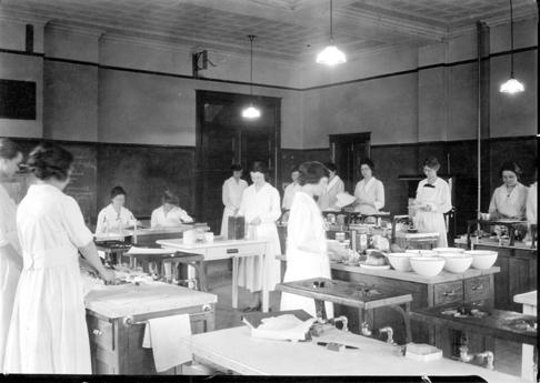 Domestic Science Lab, 1914