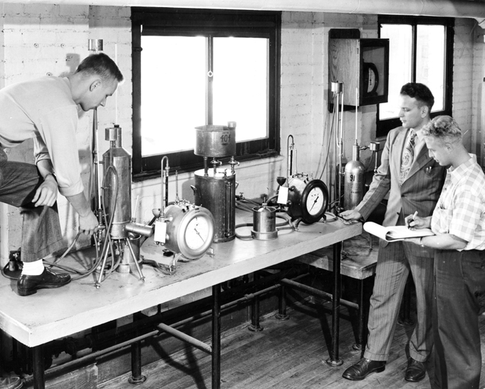 Chemical Engineering Students and Faculty, 1947