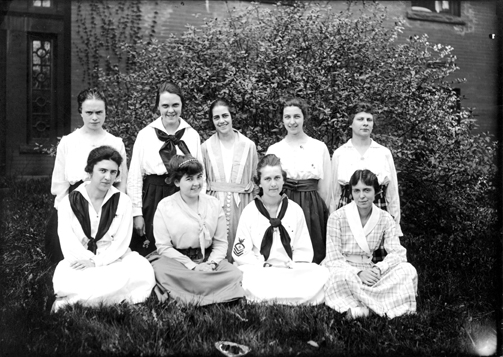 YWCA's Student Cabinet pose for a picture, 1917