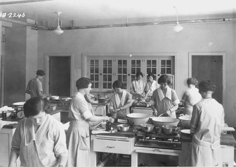 Female students in Cooking Class, 1917