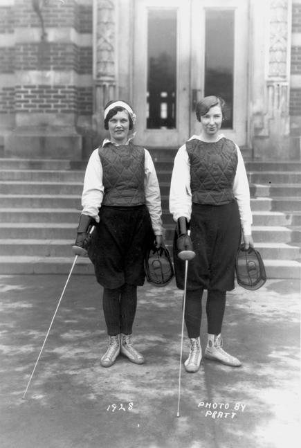 Female fencers, 1928
