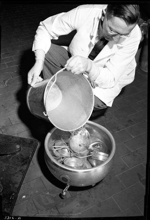 J.M. Jensen Pouring Cleaner