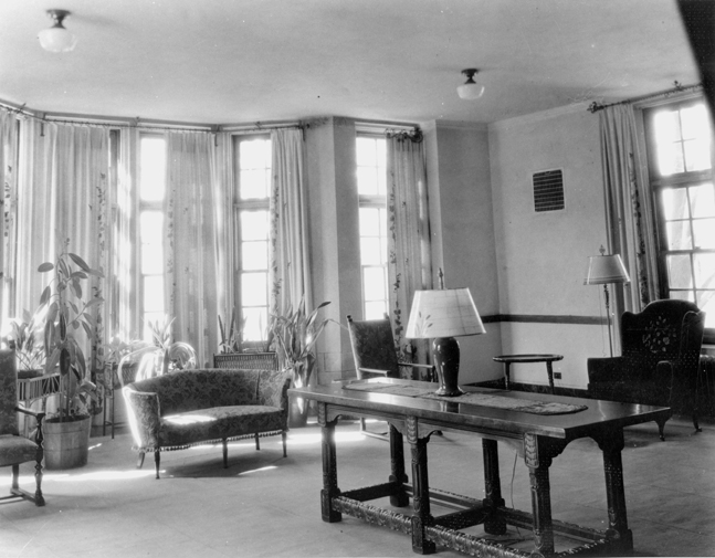 Sitting room in Mary Mayo Hall, 1935