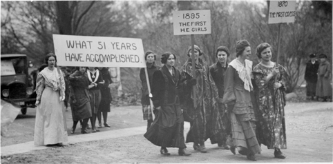 Female students march first co-eds on campus, 1921