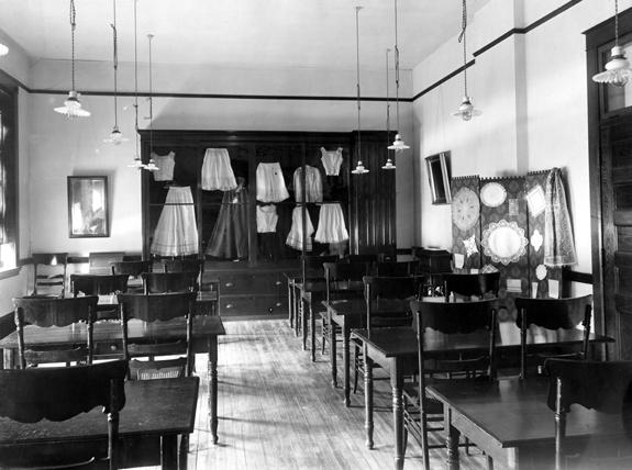 Clothing display inside Morrill Hall, 1908 ca.