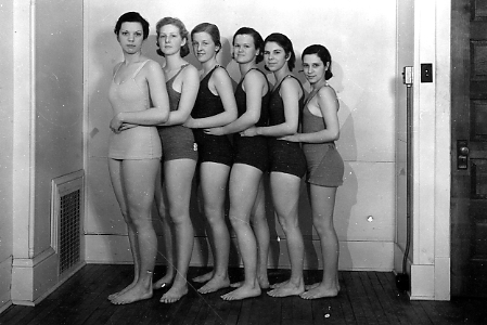Female swimmers line up for a photo, 1933