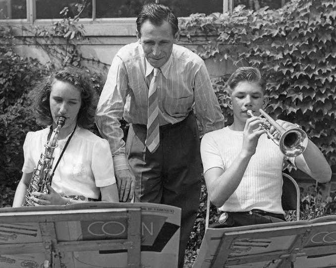 Falcone mentors young musicians, 1947