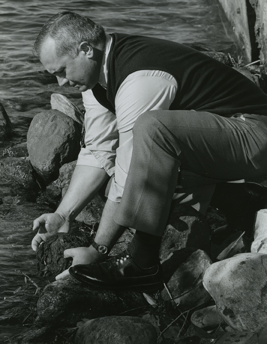 George Lauff studies algae in Gull Lake, 1973