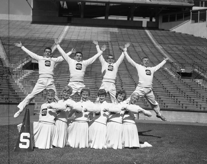 Cheerleaders, 1959