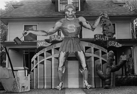 Homecoming display in front lawn, 1948