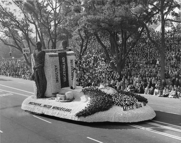 Miss Big Ten Parade Float, 1954