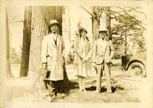 Onn Mann Liang with others on campus, circa 1925