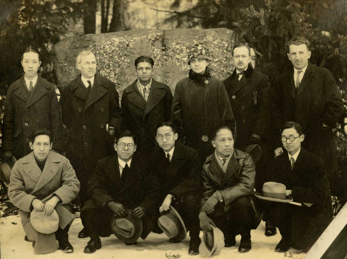 Onn Mann Liang with members of Cosmopolitan Club, 1925