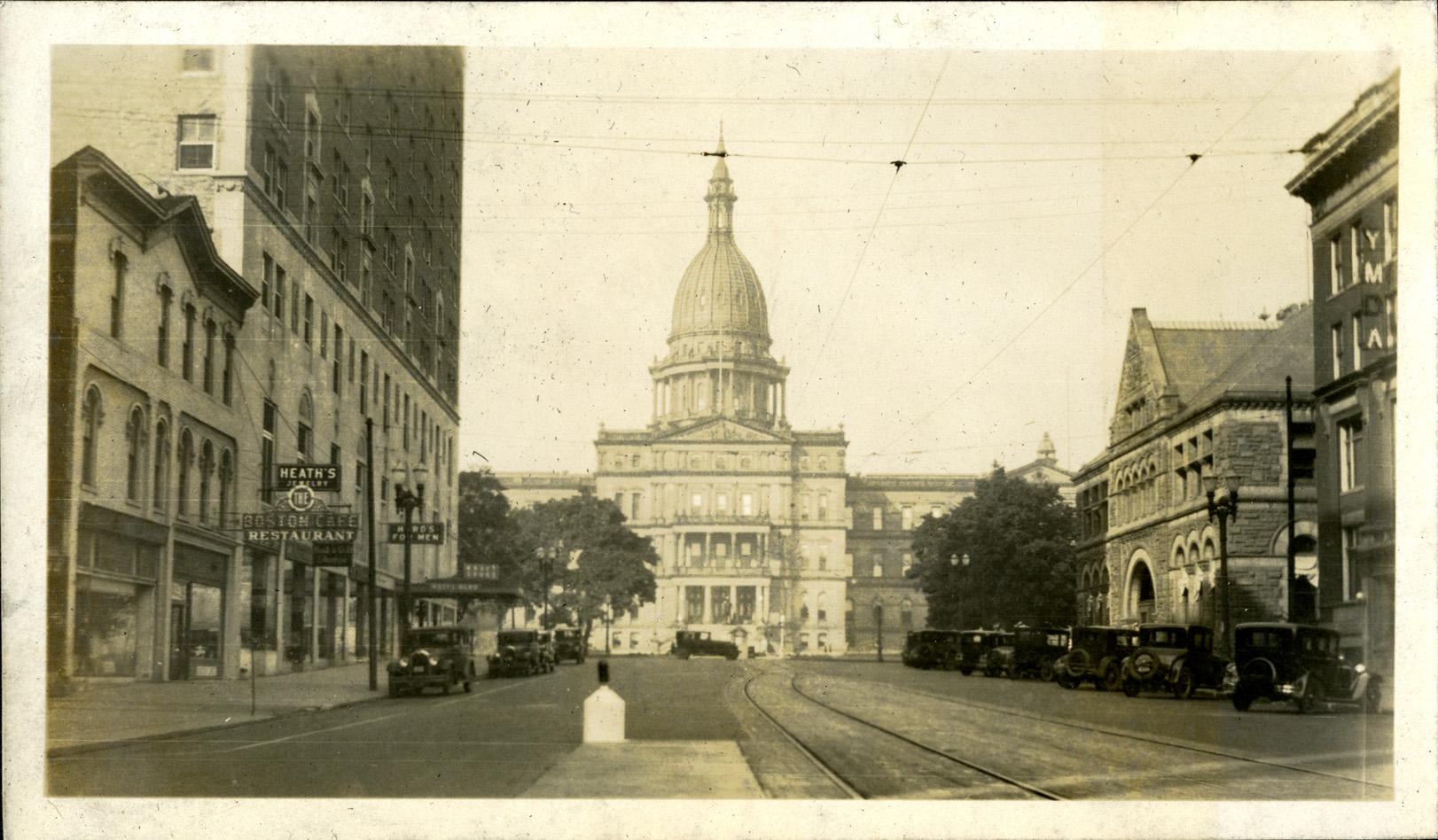 Lansing capitol building, circa 1925