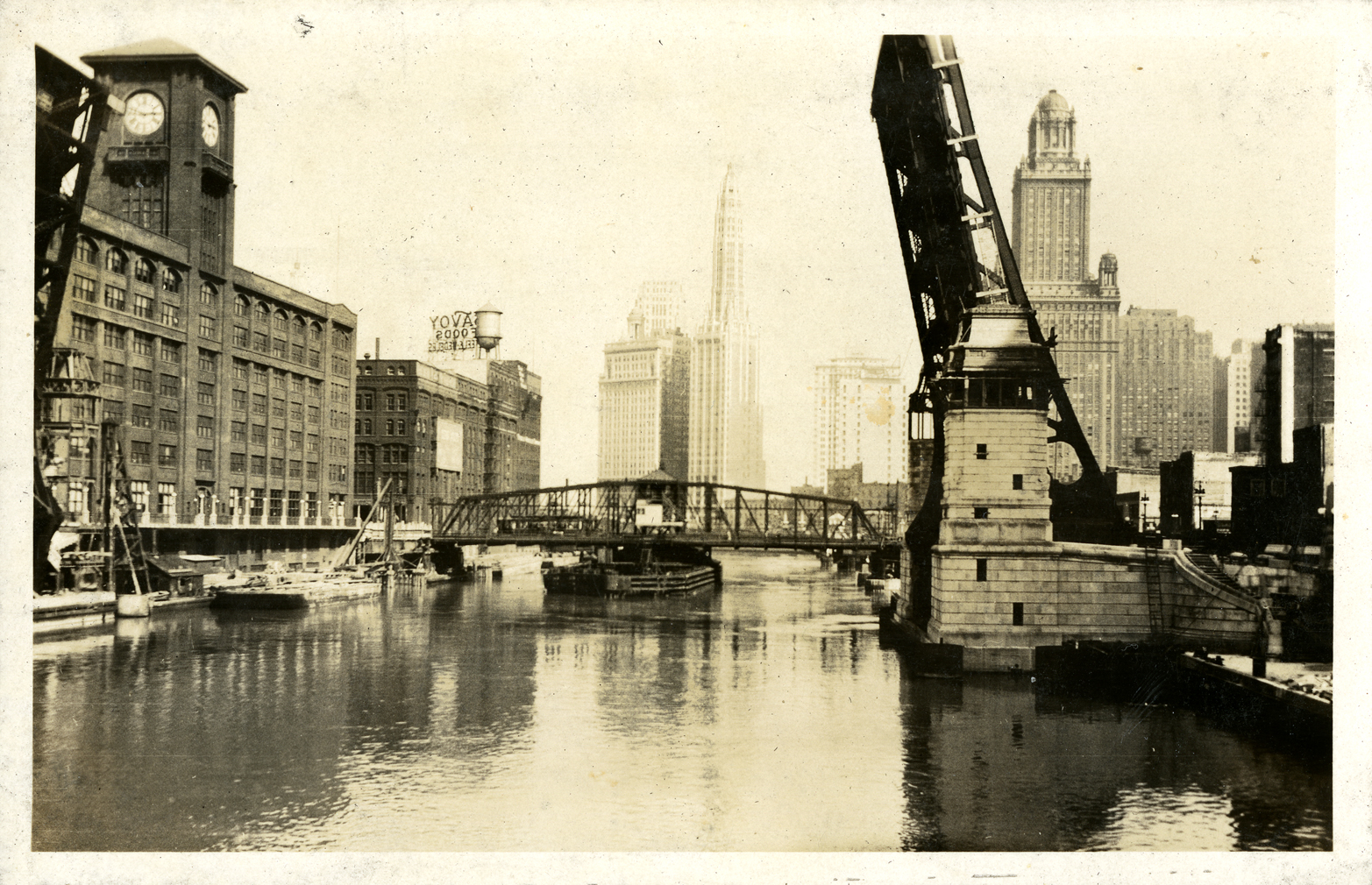 La Salle Street Bridge in Chicago, taken by Onn Mann Liang, 1928