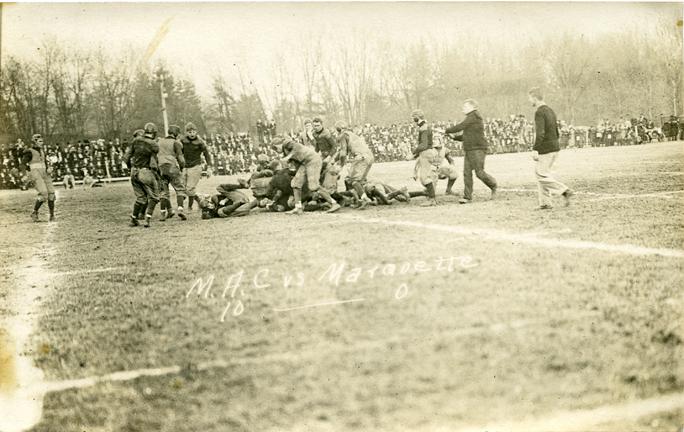 M.A.C.-Marquette football game, 1909