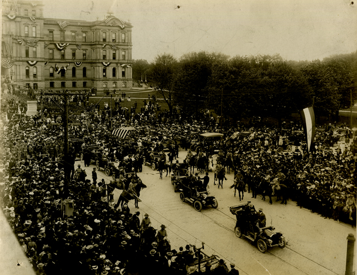 President Roosevelt & R. E. Olds at the Michigan State Capitol, 1907
