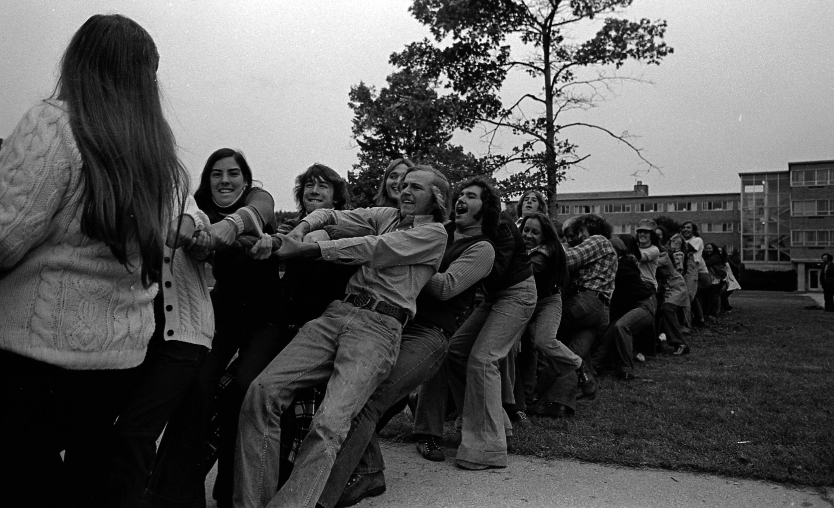 Bailey vs Butterfield tug of war, 1973