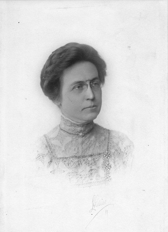 Maude Gilchrist, undated