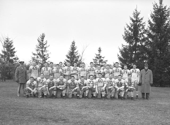 Veterinarians Football Team, November 6, 1943