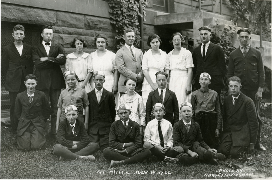 4-H Small Group Photograph, 1922