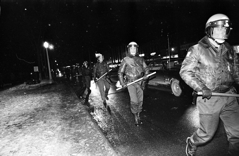 Police on Grand River Avenue respond to Chicago Seven protest, February 19, 1970