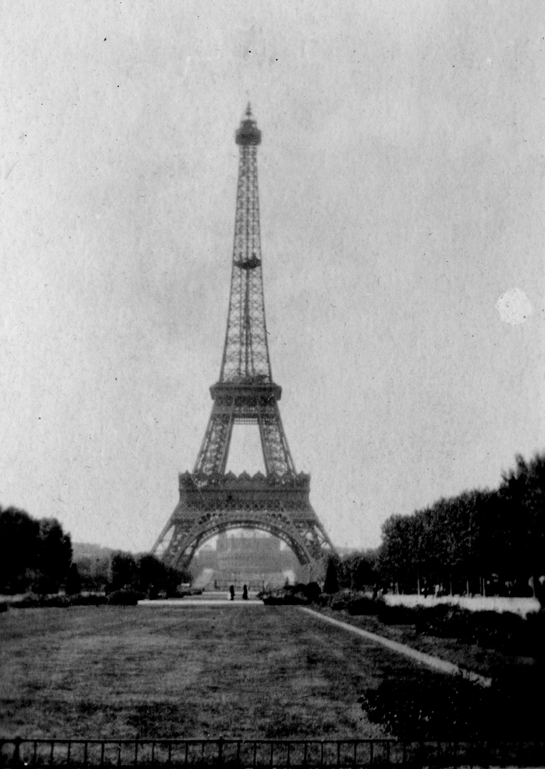 Eiffel Tower, circa 1918
